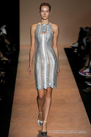 серебристое бандажное платье