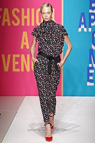 Комбинезон в цветочек от  DKNY