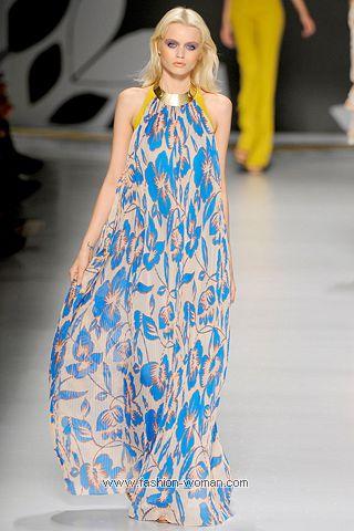 Макси-платье с цветочным принтом лето 2011