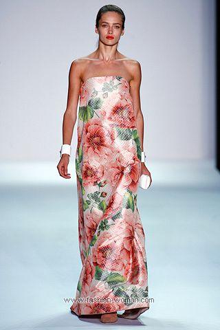 Вечернее платье с цветами