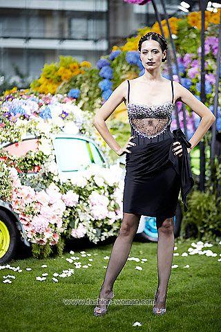 Коктейльное платье от Emanuel Ungaro весна-лето 2011