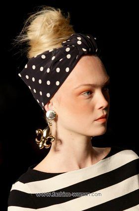 Модный ораз от Moschino весна-лето 2011