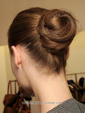 Собранные в пучок волосы