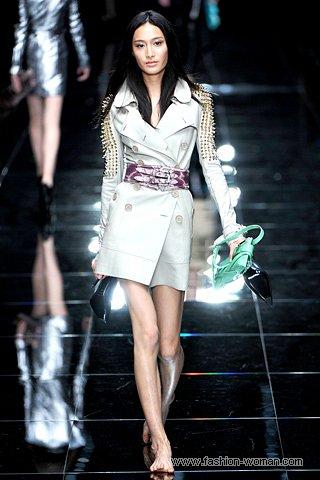 Модный плащ от  Burberry Prorsum весна 2011