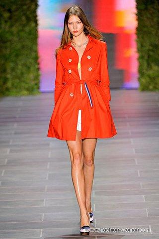 модный красный  плащ 2011