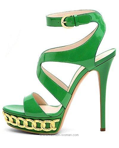 Ярко зеленые босоножки