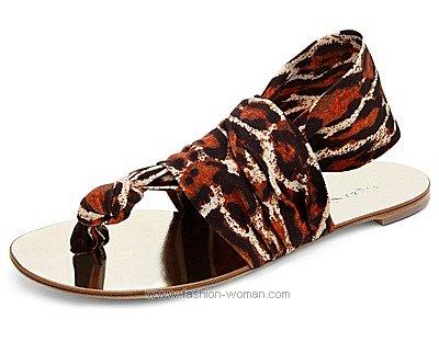 Обувь на плоской подошве от Casadei весна-лето 2011