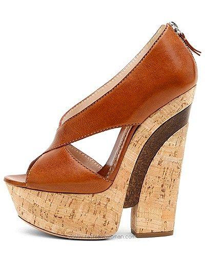 Модная обувь на пробковой подошве