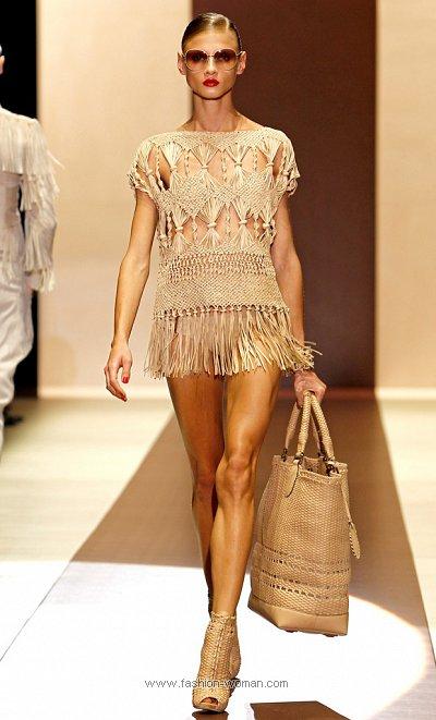 Модное плетеное платье от Gucci