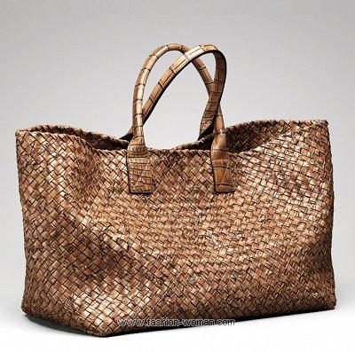 Модная плетеная сумка Bottega Veneta весна-лето 2011