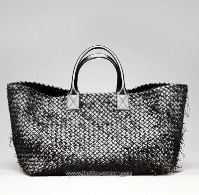 Плетеная сумка с двумя ручками от Bottega Veneta
