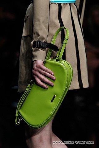 лаковая сумка Burberry Prorsum весна-лето 2011