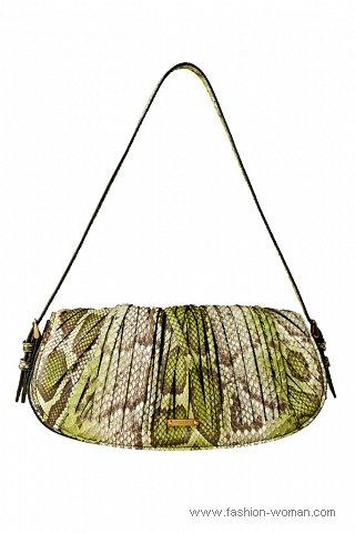 Не стала исключением и коллекция модных сумок от Burberry.