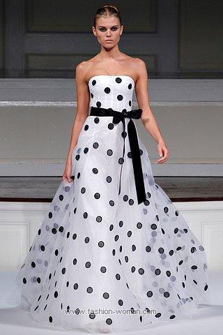 Вечернее платье в горошек от Oscar De La Renta