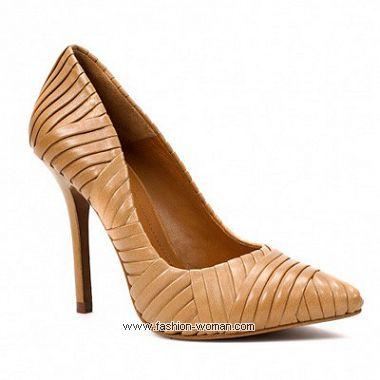 Бежевые туфли Зара