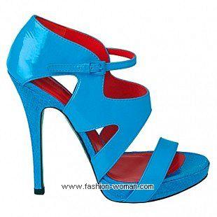 ярко голубые босоножки Cesare Paciotti