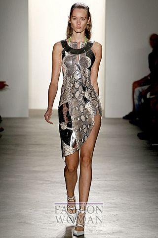 Мини платье со змеиным принтом