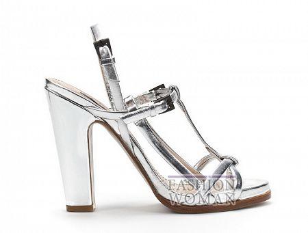 Серебристые босоножки на толстом каблуке Zara