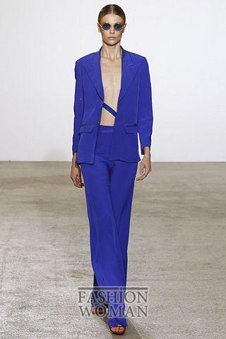 синий костюм от Costume National