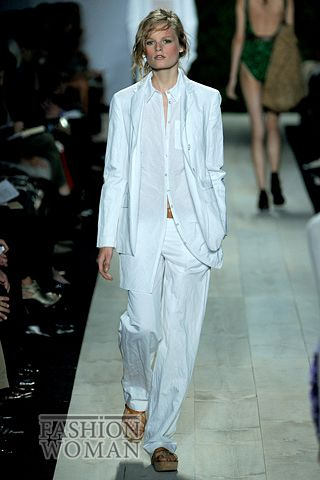 белый костюм в мужском стиле