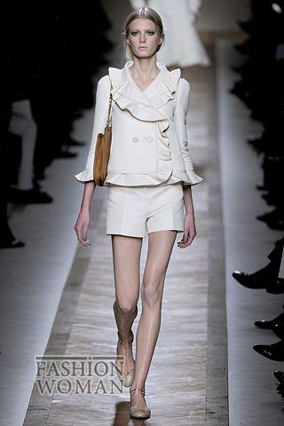 костюм с шортами от Valentino