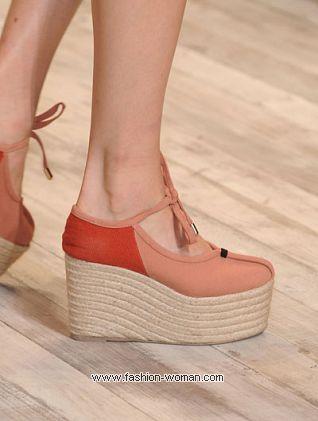 Must-have сезона весна-лето 2011 - обувь на платформе