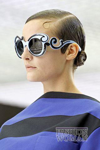 Солнцезащитные очки Prada фото