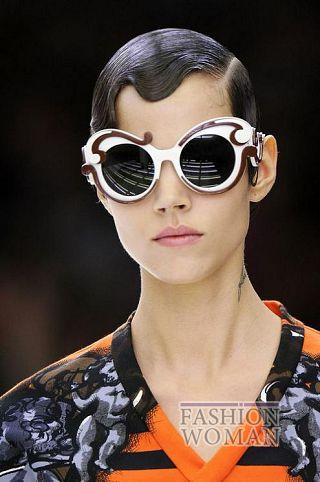 Солнцезащитные очки Prada в стиле борокко
