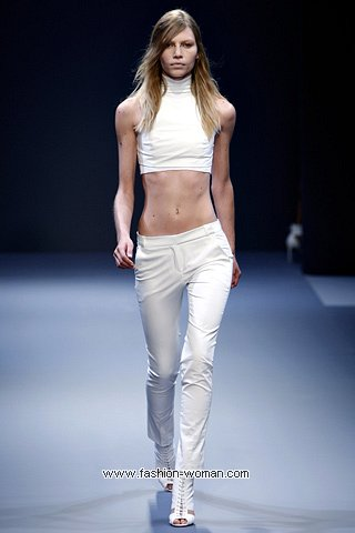 Короткий топ - модный тренд лета 2011