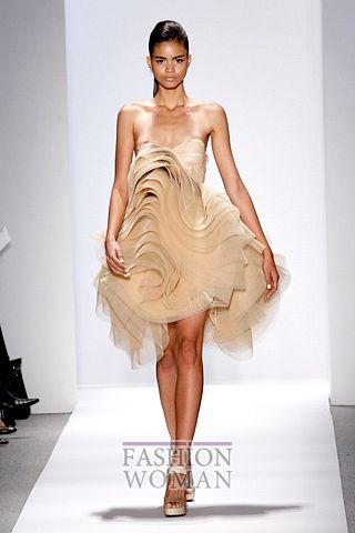 Оригинальное коктейльное платье