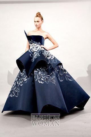 Вечернее платье от  Marchesa