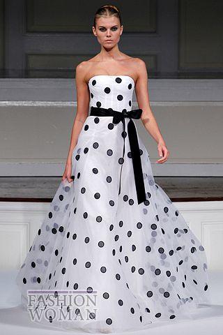 Вечернее платье в горошек