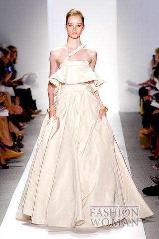 Вечернее платье от  Dennis Basso