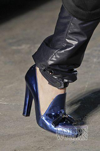 Лоферы на каблуке