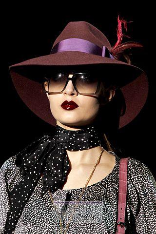 modnie shlyapi osen zima 2011 2012 9