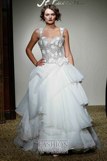svadebnie platya st pucchi spring 2012 bridal shows 18