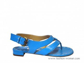 ярко голубые сандалии