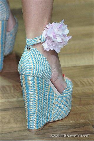 модные босоножки от D&G весна-лето 2011