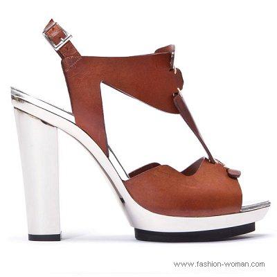 босоножки на толстом каблуке от Барбары Буи