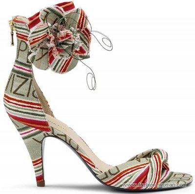 Модные босоножки из текстиля