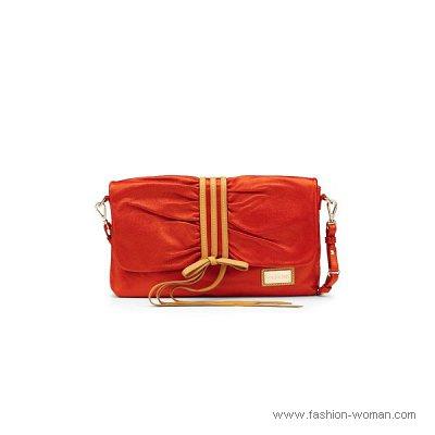 красная сумка весна-лето 2011 от Patrizia Pepe