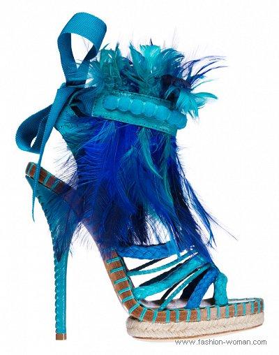 модные яркие босоножки от Christian Dior весна-лето 2011