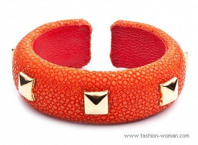 оранжевый браслет от Dannijo