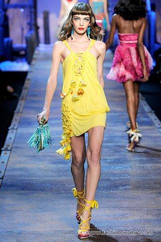 желтый сарафан от Кристиан Диор весна-лето 2011