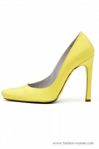 модные желтые туфли
