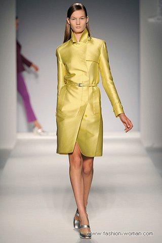 Модный желтый плащ весна 2011