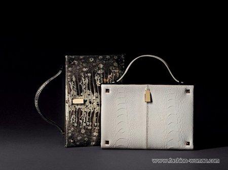 модный клатч от Valentino