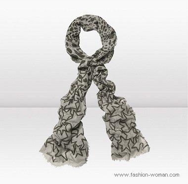 шарф в звезды от Джимми Чу