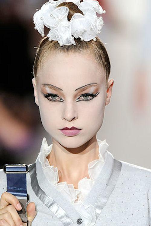 модная резинка для волос от Марка Джейкобса