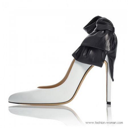 белые туфли с черным бантом от Ballin